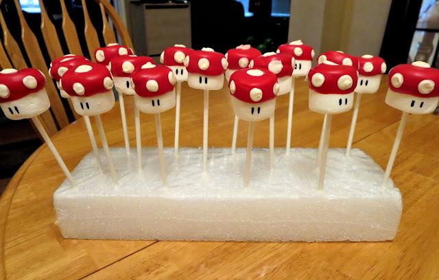 Mario Mushroom Marshmallow Pops 3