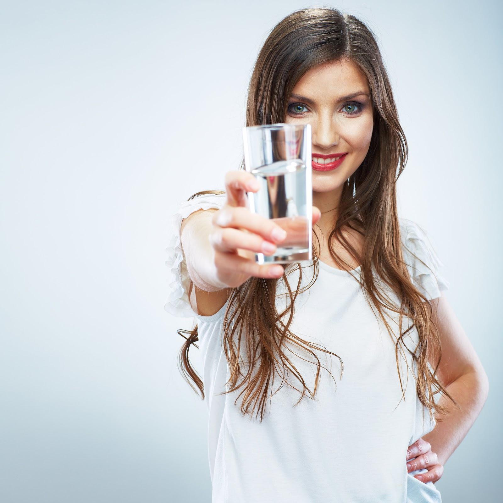 Manfaat Mengkonsumsi Air Putih