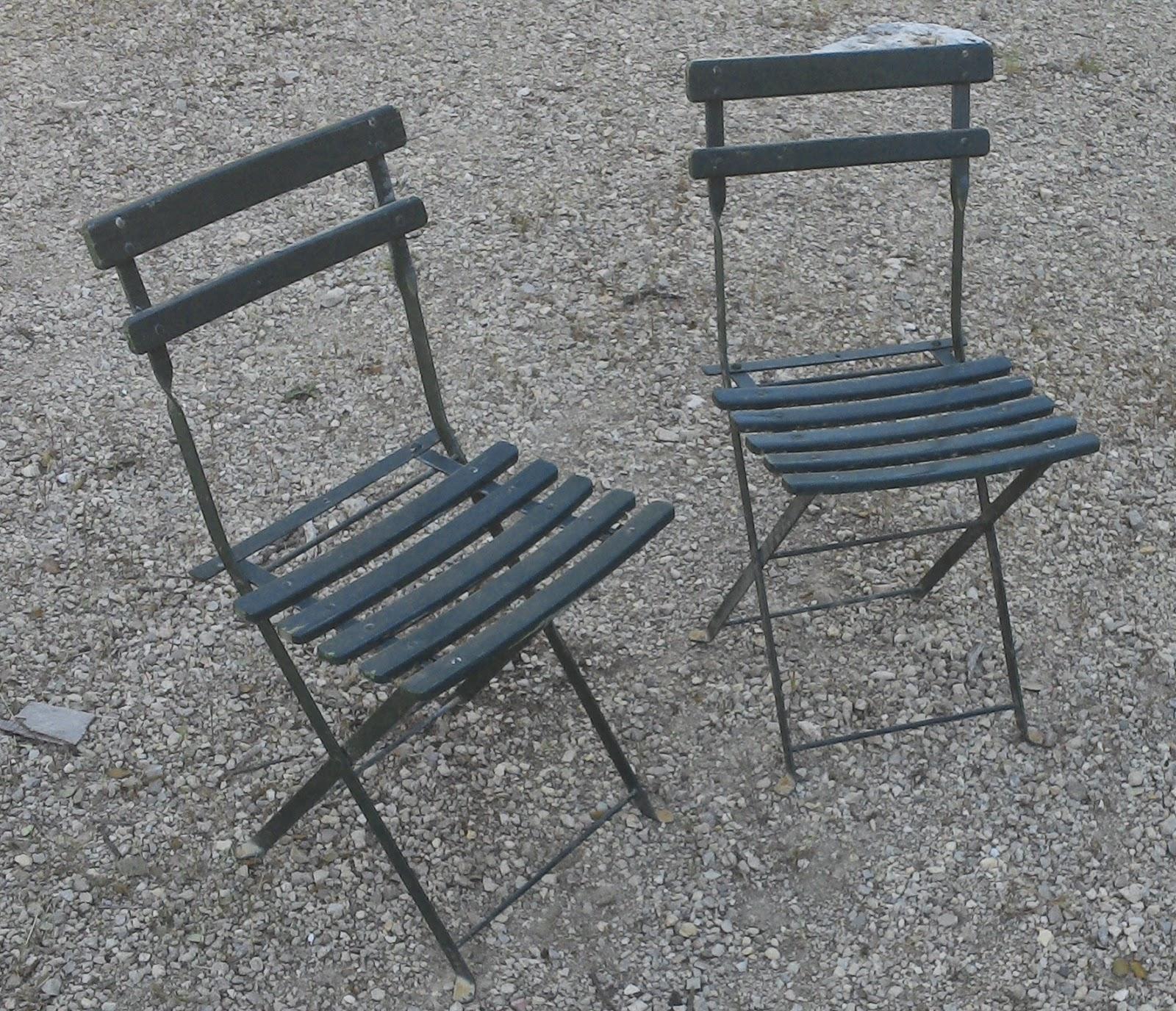 bonjour dans la s rie de printemps mobilier de jardin voici une paire. Black Bedroom Furniture Sets. Home Design Ideas
