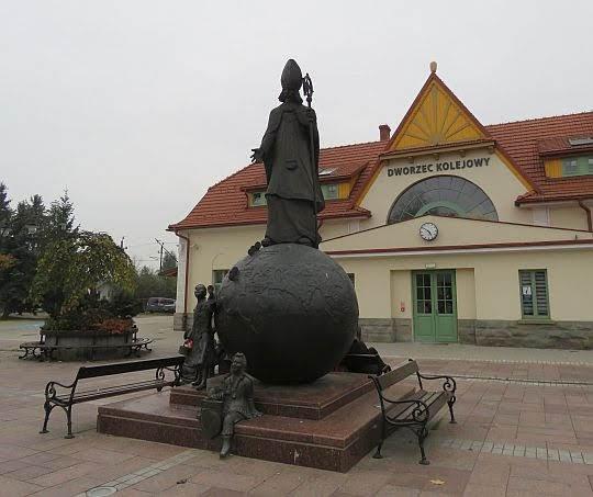 Pomnik Świętego Mikołaja.