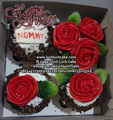 Cupcake Mawar Merah Cantik