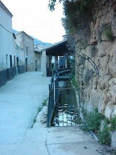 Beceite, Beseit, pueblo, casco urbano, acequia mayor, acequia, lavadero, lavaderos, roca, tosca 3