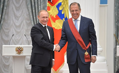Lawrow mit Putin