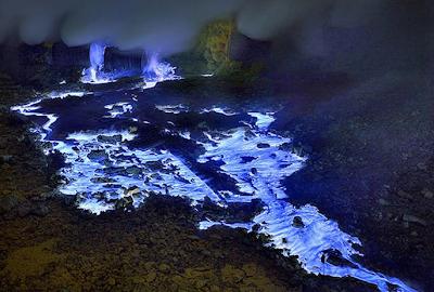 """<img src=""""blue_lava_ijen_banyuwangi_jawa_timur_3.png"""" alt=""""blue_lava_ijen_banyuwangi_jawa_timur_3"""">"""