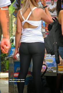 candid-voyeur-girls-leggins