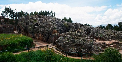 Complejo Arqueológico de Qenqo - Kenko