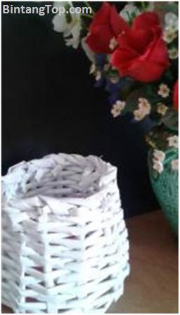 Teknik Menganyam Keranjang Silinder dari Koran/Kertas Bekas