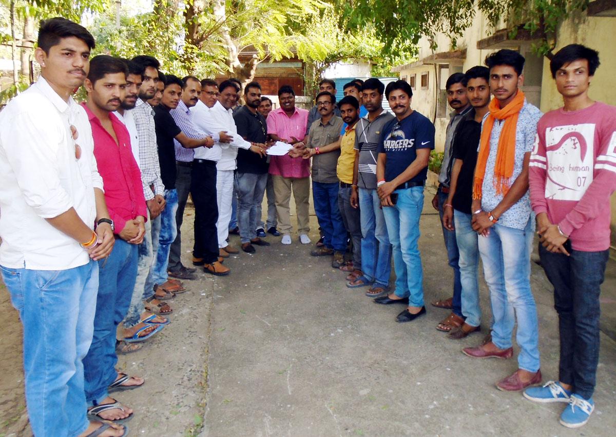 Rajput-Karmani-sena-handed-over-memorandum-to-Napa-President-for-establishing-statue-of-Maharana-Pratap-राजपुत करणी सेना ने महाराणा प्रताप की प्रतिमा स्थापित करने के लिये नपा अध्यक्ष को सौपा ज्ञापन