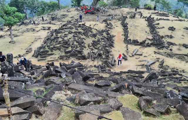 Situs Megalitik Gunung Padang