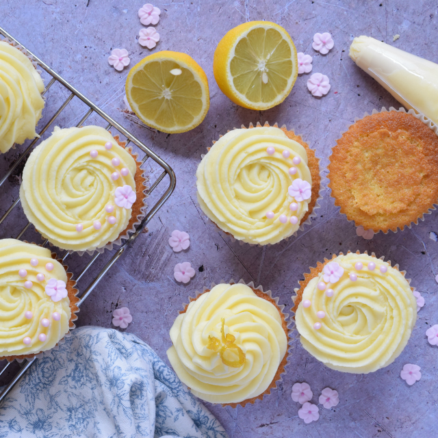 How to make Lemon and Elderflower Cupcakes