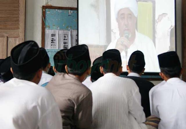 Habib Abdul Qadir Jailani as-Syathiri: Ciumlah Kaki Ibumu