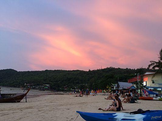 praia loh dalum phi phi