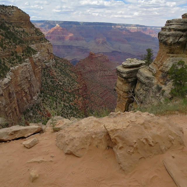 Bright-Angel-Trail-Grand-Canyon