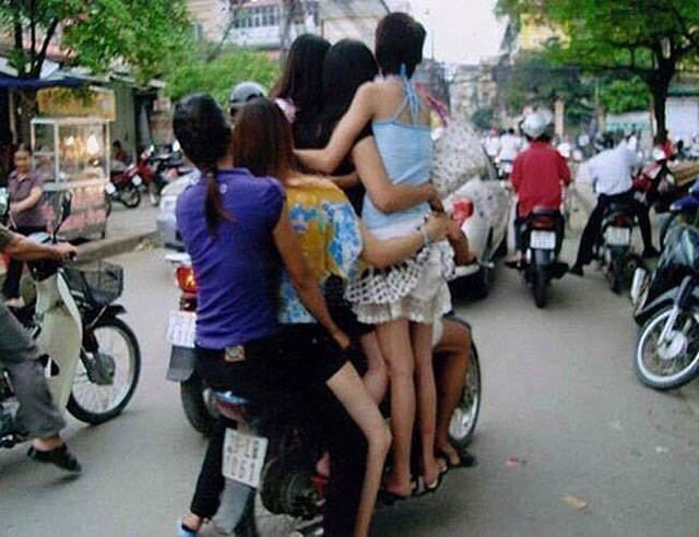 What The Heck Is Wrong With These People? (29 Pics).