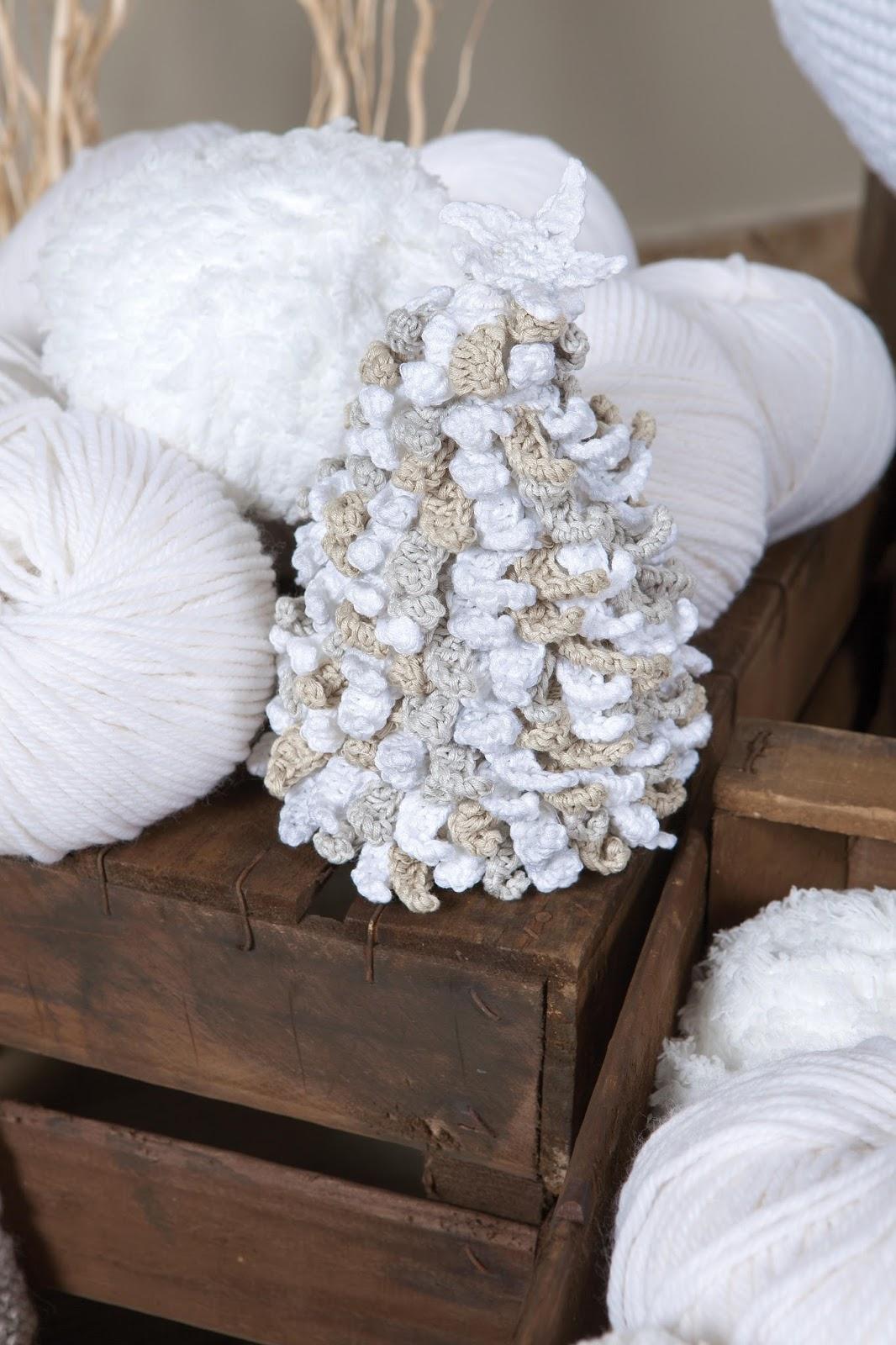 ouvrages can 39 elle tricoter crocheter votre deco de noel. Black Bedroom Furniture Sets. Home Design Ideas