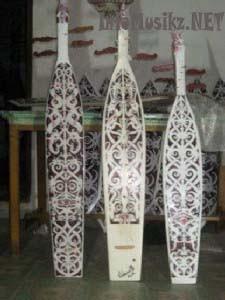 Alat Musik Tradisional Sampe ( Asal Daerah : Kalimantan Timur)