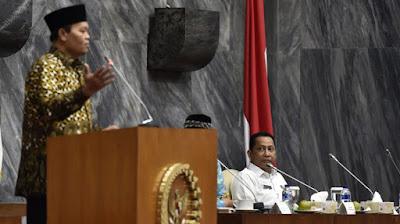Begini Respons Hidayat Nur Wahid, Tentang Pidato Prabowo Indonesia Bubar 2030