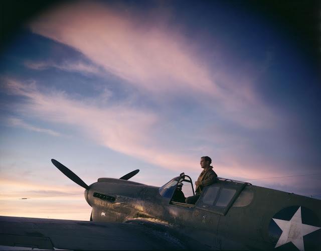 Color photos World War II worldwartwo.filminspector.com