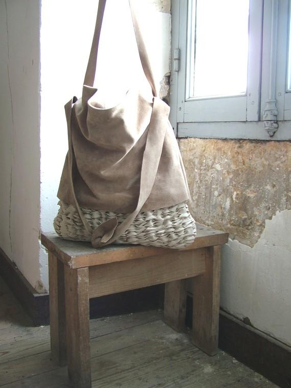 Byloom & Hyde leather handmade bag. Handmade in Dordogne, France.
