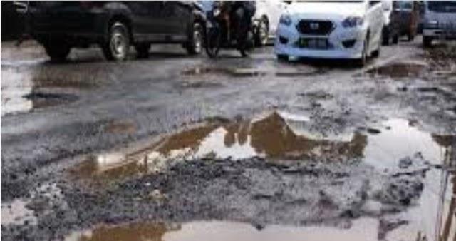 Ruas Jalan Nasional Padalarang - Purwakarta Rusak…!