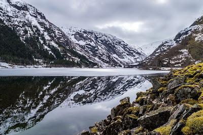 ciota, wiedźma, góry, magia, śnieg, jezioro, odbicie w wodzie