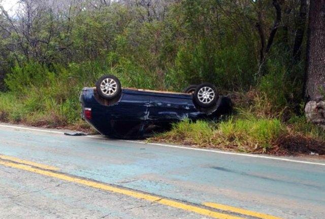 Jovem perde o controle da direção e carro capota na Serra das Almas em Rio de Contas