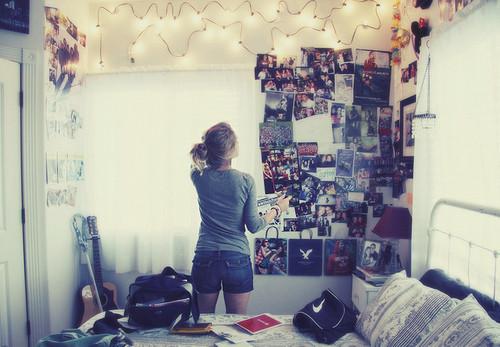 lo ms cmodo en verdad es pegar las fotos en la pared pero incluso de esa manera quedan muy bien lo importante son los recuerdos que nos traen