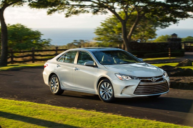 Toyota Camry 2017 Coiffants