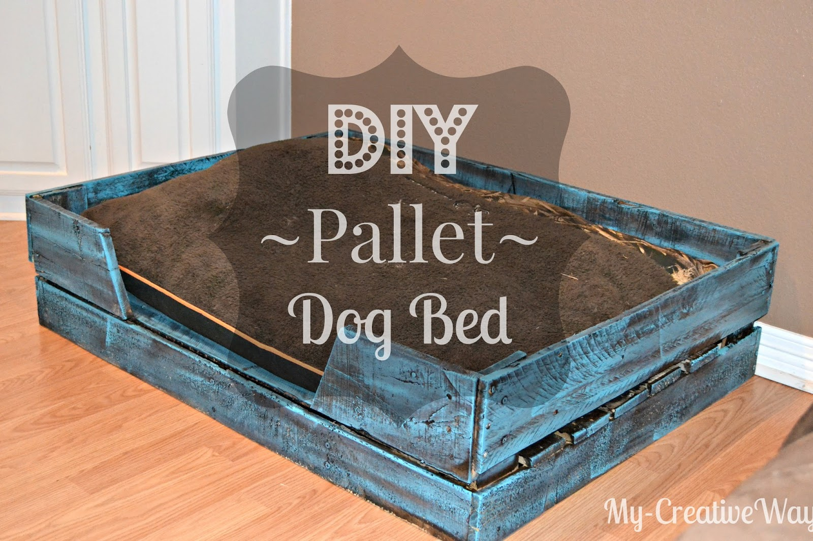 My creative way diy pallet dog bed for free for Build a dog bed of wood