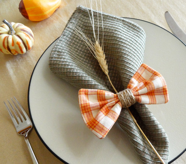 Twinkle and Twine: Tutorial: Plaid Bow Napkin Rings