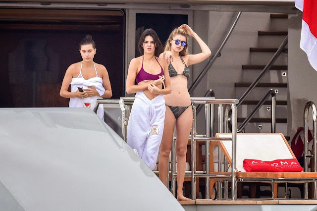 Kendall Jenner holds yacht party for model friends on the French Riviera