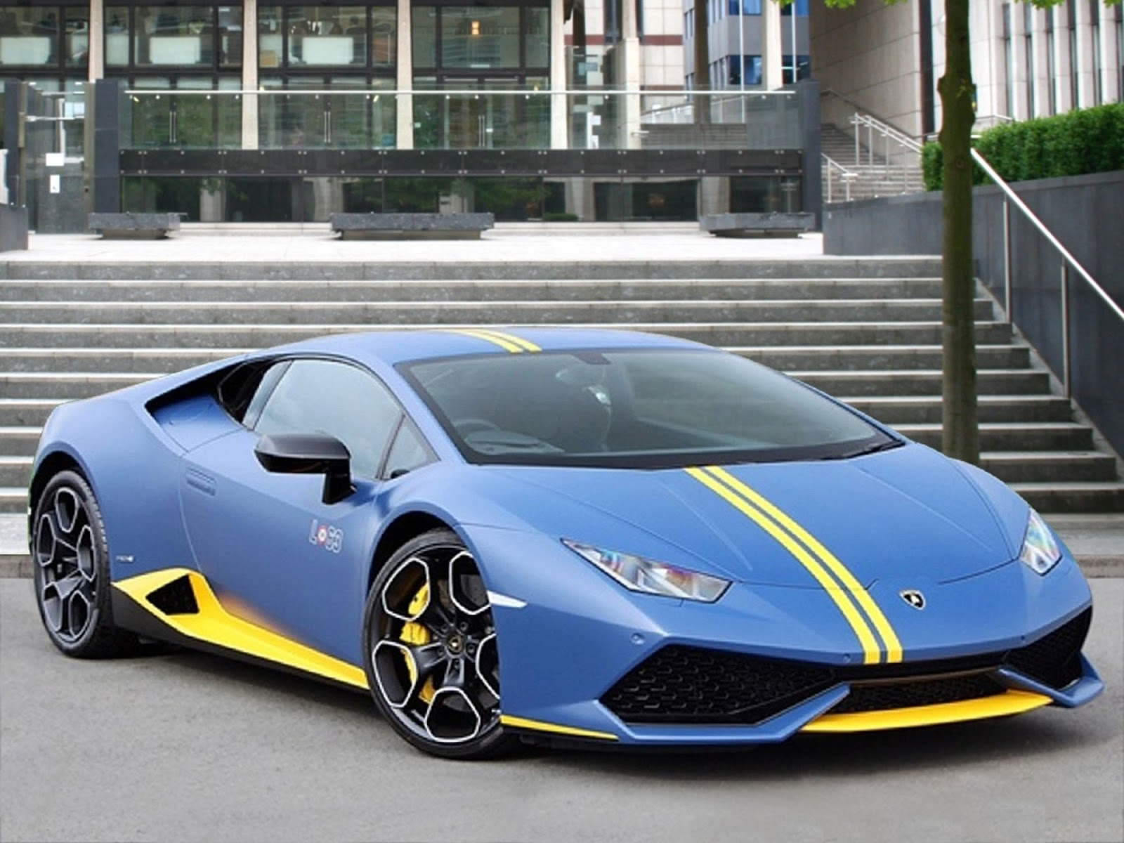 Lamborghini Made Just 250 Special Huracan Avio Editions We Found 2 For Sale In London Carscoops
