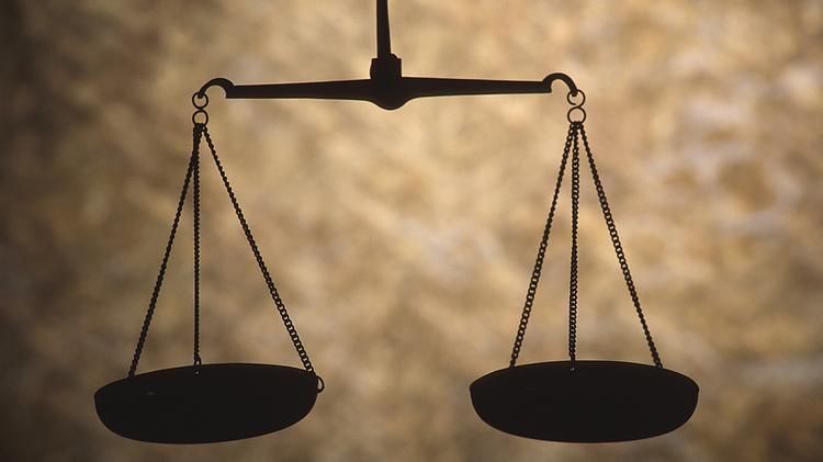 شرح خصائص القاعدة القانونية
