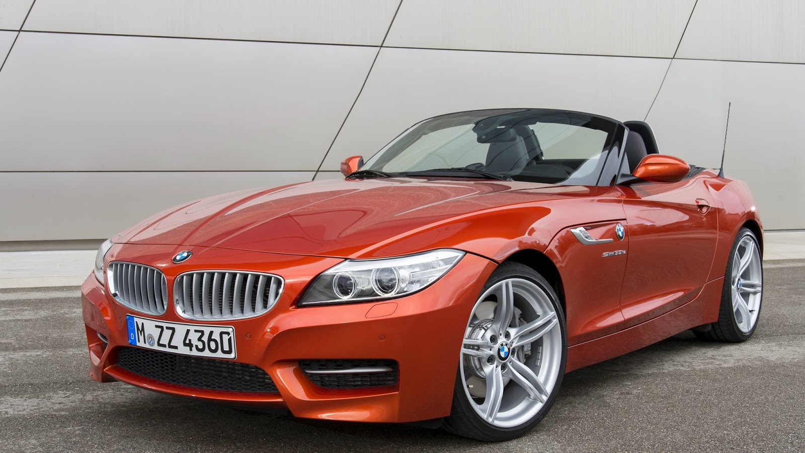 Wallpaper Mobil Mewah BMW Z4 35is