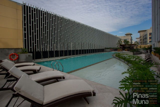 Winford Hotel Manila Swimming Pool
