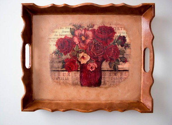 decoupaged-wooden-tray