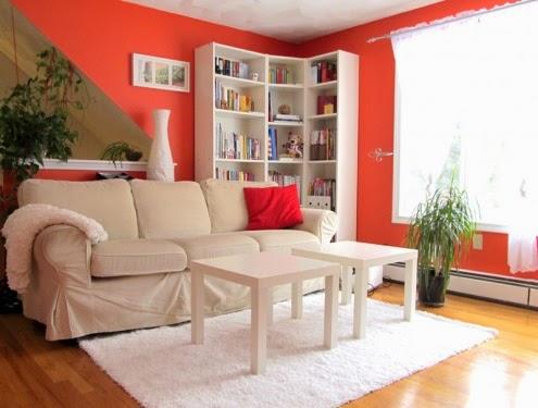 Sala con paredes naranjas