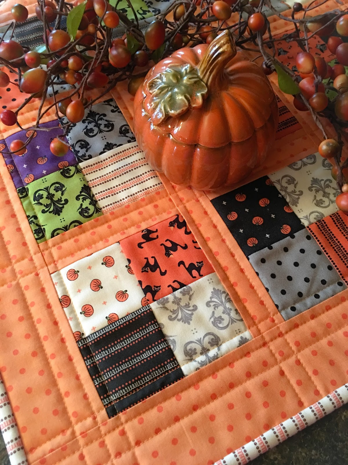 Carried Away Quilting: Coffee Time Quilt for Halloween