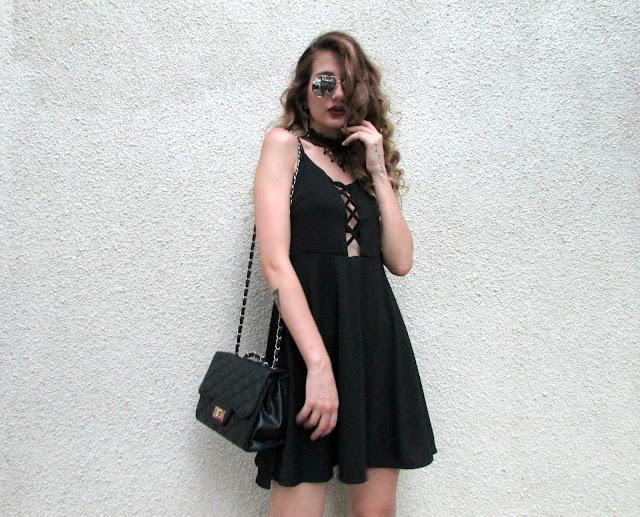 μαυρο μινι φορεμα