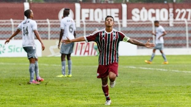 Paulinho comemora gol do Fluminense contra o Figueirense