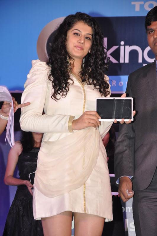 Tapsee Hot Photos At Kingtab Tablet 25 Model Launch