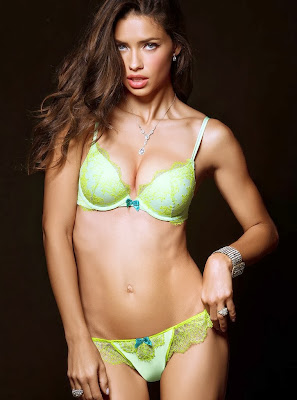 The Brazilian bombshell, Adriana Lima looks slim, sexy body in model of Victoria's Secret lingerie photoshoot