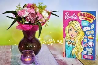 """""""Barbie™. Ubieranki z naklejkami"""" książki dla dzieci #25"""