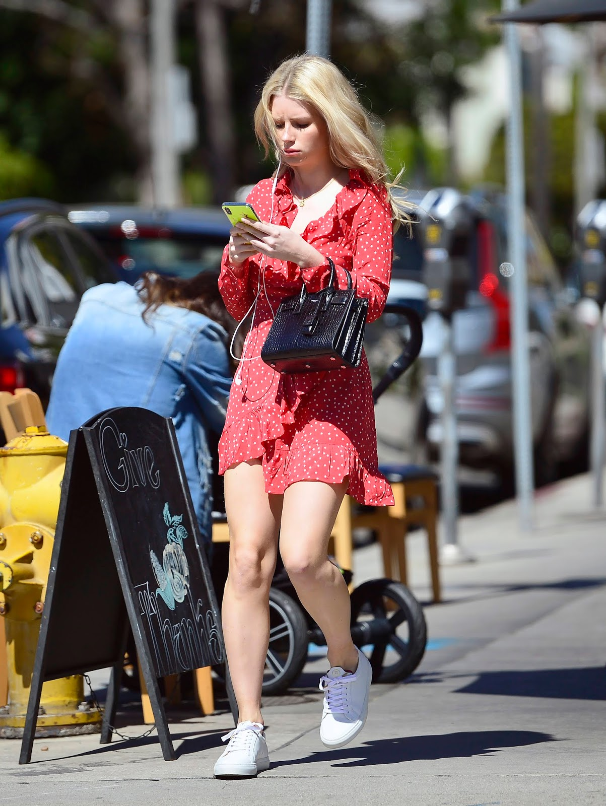 Lottie Moss out in West Hollywood - 03/12/2019
