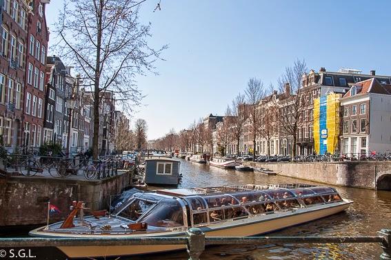 Amsterdam, el barco del paseo por sus canales
