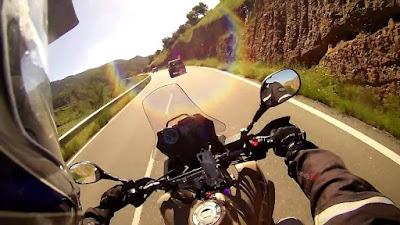 Consejos de seguridad para viajar en moto en verano