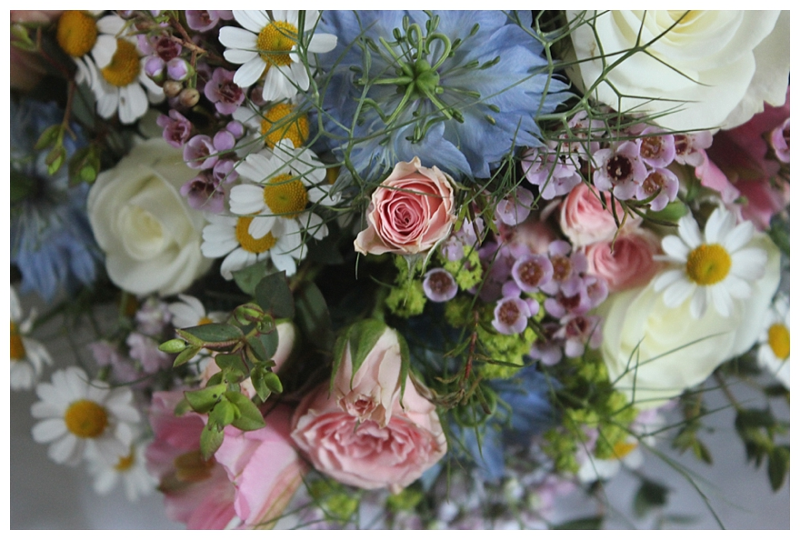 c325ee3078b5 A English Country Garden Wedding with Pretty Vintage Details
