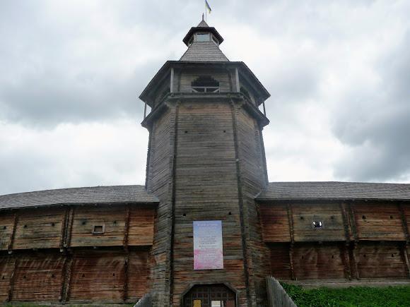 Батурин. Цитадель. Главная въездная башня