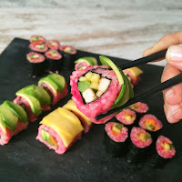 VEGAN RAINBOW SUSHI
