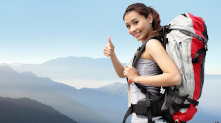 solo female travelers with traveling guide